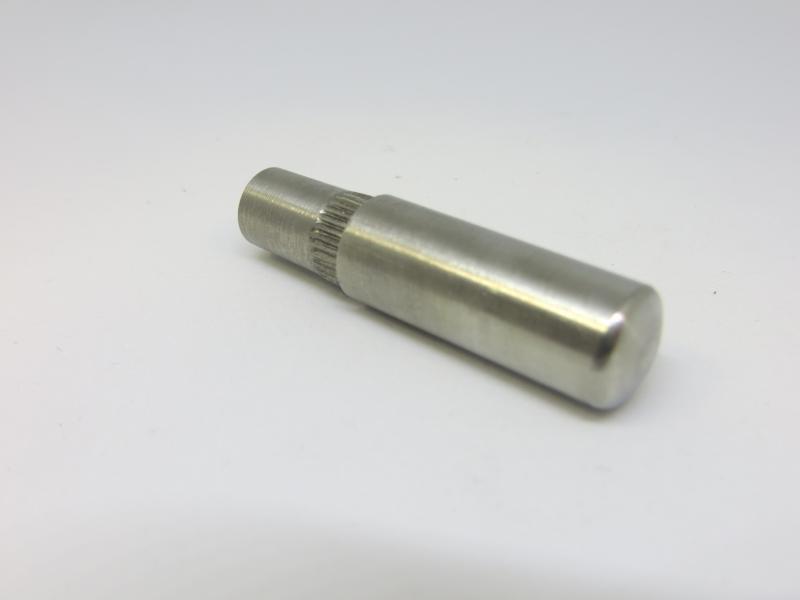 Peça em INOX, com diâmetro 12mm, com recartilha, destinado à Indústria Automóvel