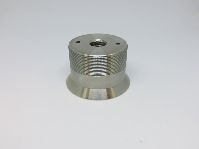 Peça INOX com rosca exterior, com rosca interior e furos. Usada em Serralharia e Indústria Metalomecânica