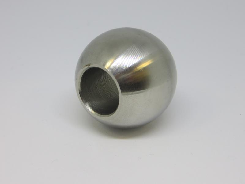 Esfera em inox, com perfuração